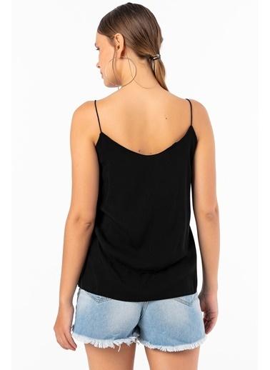Emjey İnce Lastikli Askılı Bluz Siyah